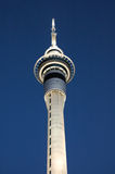 Skytower em auckland, Nova Zelândia. Tiro do close up. Fotografia de Stock