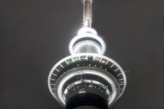 Skytower en la noche Fotografía de archivo libre de regalías
