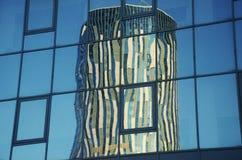 Skytowers reflexion Arkivbilder