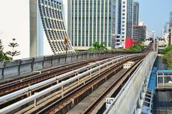 Skytrain铁路在曼谷泰国 库存照片