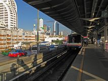 Skytrain à Bangkok Photo stock