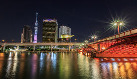 Skytree di Tokyo alla notte Fotografia Stock