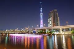 Skytree di Tokyo alla notte Fotografia Stock Libera da Diritti