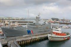 Skyttlar i Reykjavik, nära maritimt museum fotografering för bildbyråer