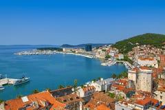 Skyview del puerto en fractura, Croacia Imagen de archivo
