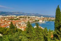 Skyview splittring, Kroatien Arkivfoton