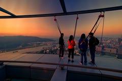 Skywalk на башне Макао стоковые фотографии rf