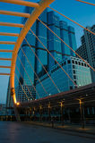 Skywalk connectent la gare de skytrain Photo libre de droits