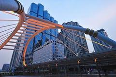 Skywalk di Chong Nonsi allo skytrain di Bangkok Immagini Stock
