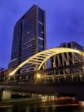 Skywalk met moderne gebouwen, Bangkok Stock Foto