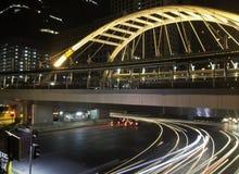Skywalk púbico con los edificios modernos de Bangkok céntricos Fotos de archivo