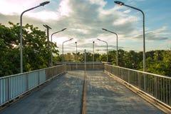 Skywalk som ska parkeras Arkivbilder