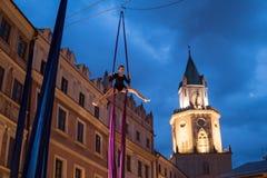 Skywards acrobatische dansen Stock Foto's
