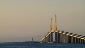 skyway solsken för bro Arkivfoton