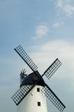 skywindmill royaltyfri bild