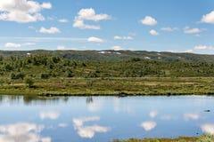 Sløddfjorden sjö, Norge Arkivbilder