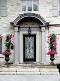 släkt utgångspunkt för dörringångsframdel Royaltyfri Fotografi