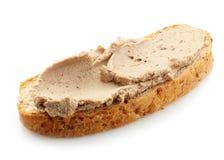 Släntra av bröd med leverpate Royaltyfri Foto
