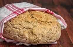 Släntra av bröd som göras med ölmalts royaltyfria bilder