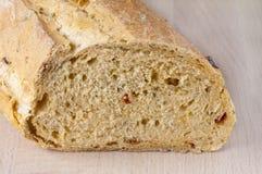 Släntra av medelhavs- bröd Arkivbild