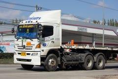 Släplastbil av det Singhanert transportföretaget Fotografering för Bildbyråer