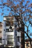 Slät vit byggnad i Valencia arkivfoto