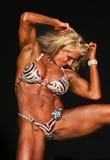 Släta blonda medelåldersa Buff Bodybuilder Arkivbilder