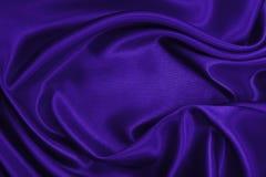 Släta elegant lila lyxig torkduketextur för silke eller för satäng som abstr Arkivbild