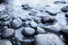 släta stenar för strandpebble arkivfoto