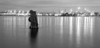 Släta vatten Elliott Bay Puget Sound Port av Seattle Arkivfoto