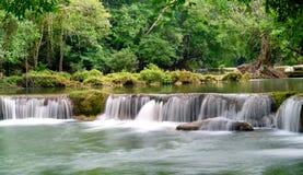 Släta vattenfallet Royaltyfria Bilder