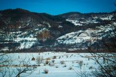 Slätt, kullar och snö Royaltyfri Fotografi