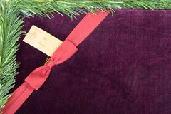 Slågen in julgåva arkivbild
