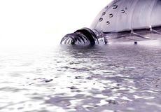 slösat vatten Arkivbild