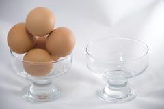 Sla alle eieren in één kom niet op Stock Fotografie