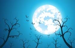 Slaan de illustratie het blauwe achtergrond en concept van festivalhalloween, velen op boom met volle maan op donkere nacht royalty-vrije illustratie