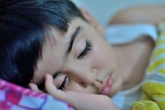 Slaap mooie jongen Royalty-vrije Stock Afbeeldingen
