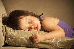 In slaap peuter stock foto