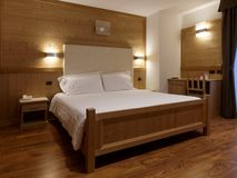Slaapkamer bij chalet royalty-vrije stock foto's