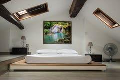 Slaapkamer in de zolder royalty-vrije stock foto's