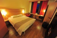 Slaapkamer - het binnenland van de hotelruimte Royalty-vrije Stock Fotografie