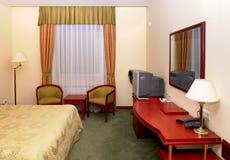 Slaapkamer in hotel Stock Foto's