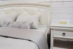 Grote slaapkamer moderne stijl stock foto afbeelding 59224046 - Volwassen slaapkamer idee ...