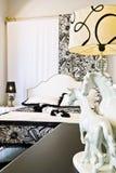 Slaapkamer in zwart-wit Royalty-vrije Stock Afbeelding