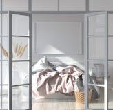 Slaapkamerbinnenland met affichemodel, Skandinavische stijl stock fotografie