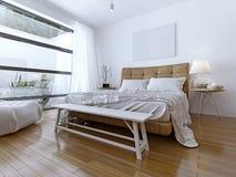 Slaapkamerbinnenland met gordijnen en aardige landschapsmening Stock Fotografie