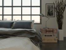 Slaapkamerbinnenland met kingsize bed tegen reusachtig venster stock foto's