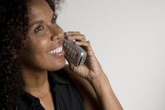 sladdlös telefonkvinna fotografering för bildbyråer