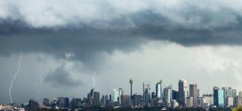 Slag Sydney CBD för tre blixtbultar Royaltyfri Fotografi