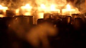 Slag van thee de Lichte Kaarsen uit stock videobeelden
